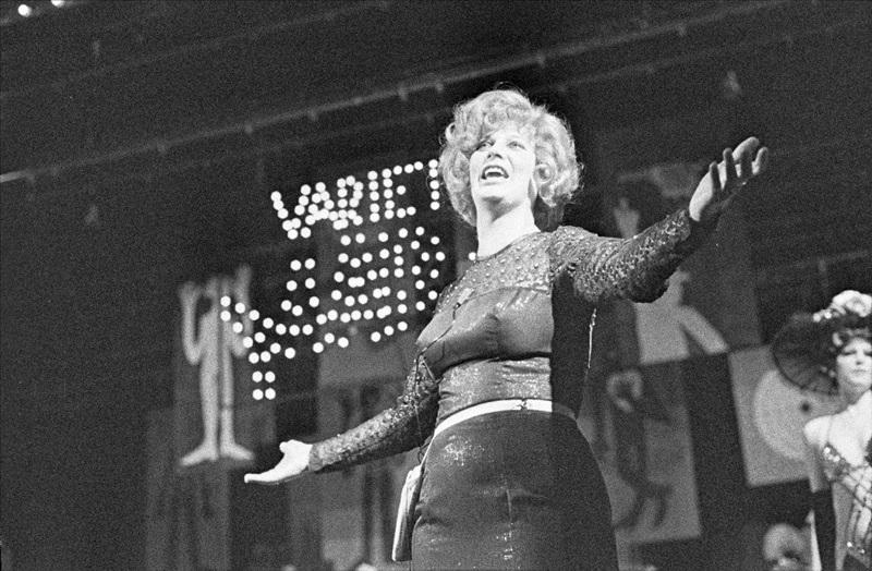 Laďka Kozderková - Vražda ve varieté 1981